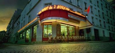 Caf Ef Bf Bd Les Deux Moulins Montmartre Paris