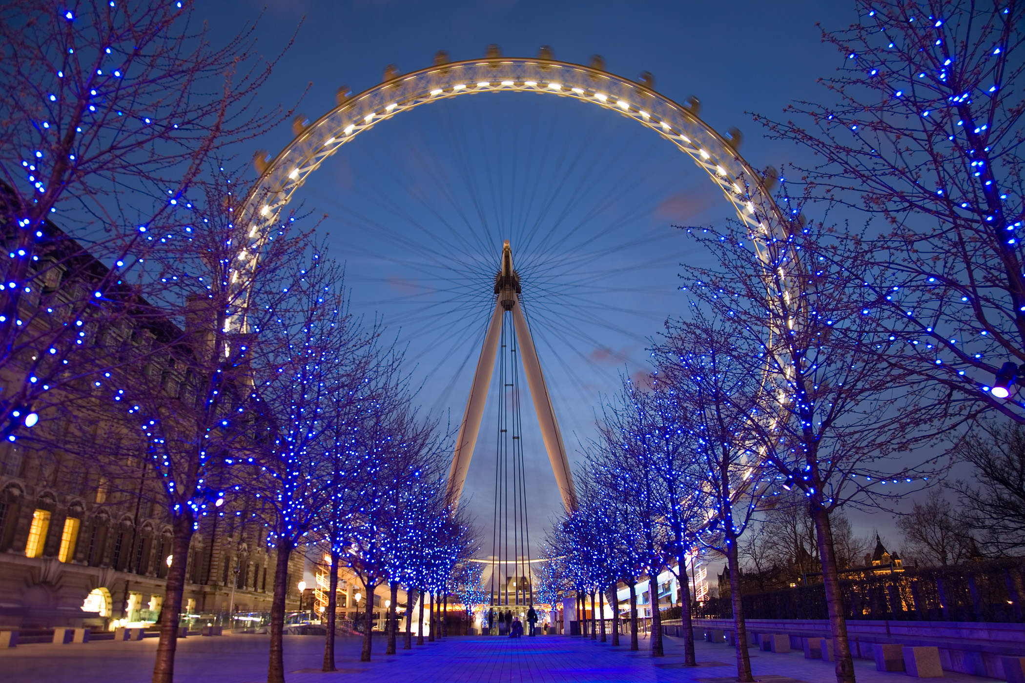 The lights of London. History comes alive at night ...