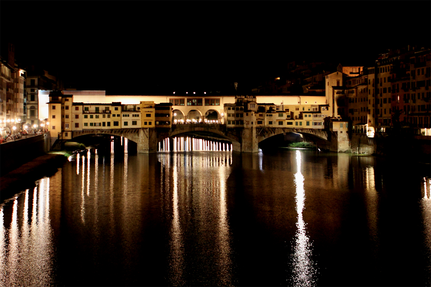 That beautiful renaissance glow. Florence at night ...
